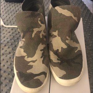 Dolce Vita Camo sneakers